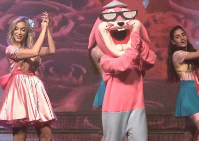 מופע לילדים עם רקדניות ובובות