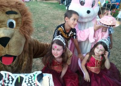 מפעילה ליום הולדת עם בובות מקוריות וחגיגה גדולה עם כוכבת הילדים