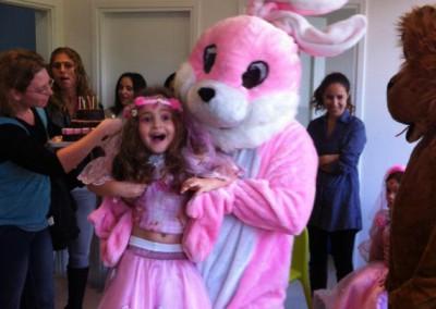 פעילות ליום הולדת עם בובות מקוריות ומגוון פעילויות לימי הולדת